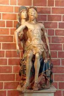 Die ca. 200-250 Jahre alte Pietà  aus der alten Marienkirche steht heute in der Sakramentskapelle